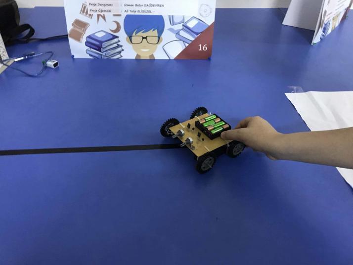 Işık İzleyen Robot Tübitak 4006 Bilim Fuarı Projesi
